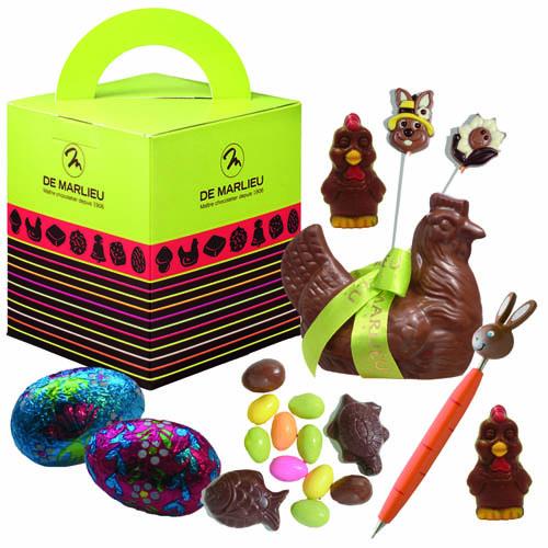 Poule chocolat et sujets en chocolat